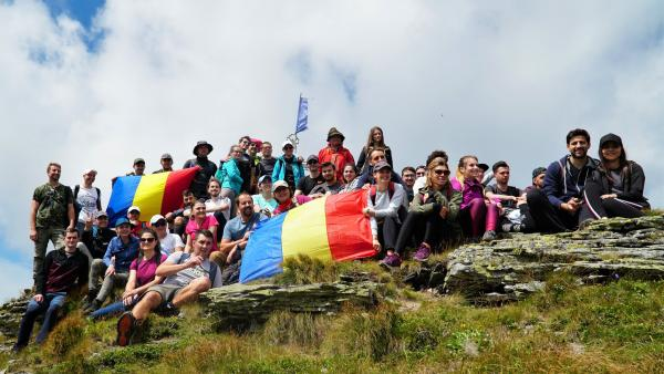 100 people hiked to the top of the Pietrosu Peak from Calimani Mountains - ASSIST Software Hiking Day